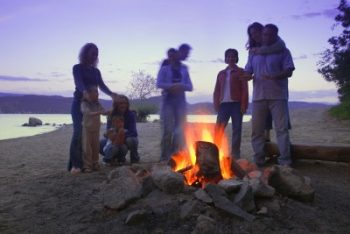 campfires allowed 100' from the water at Elephant Butte & Caballo Lakes
