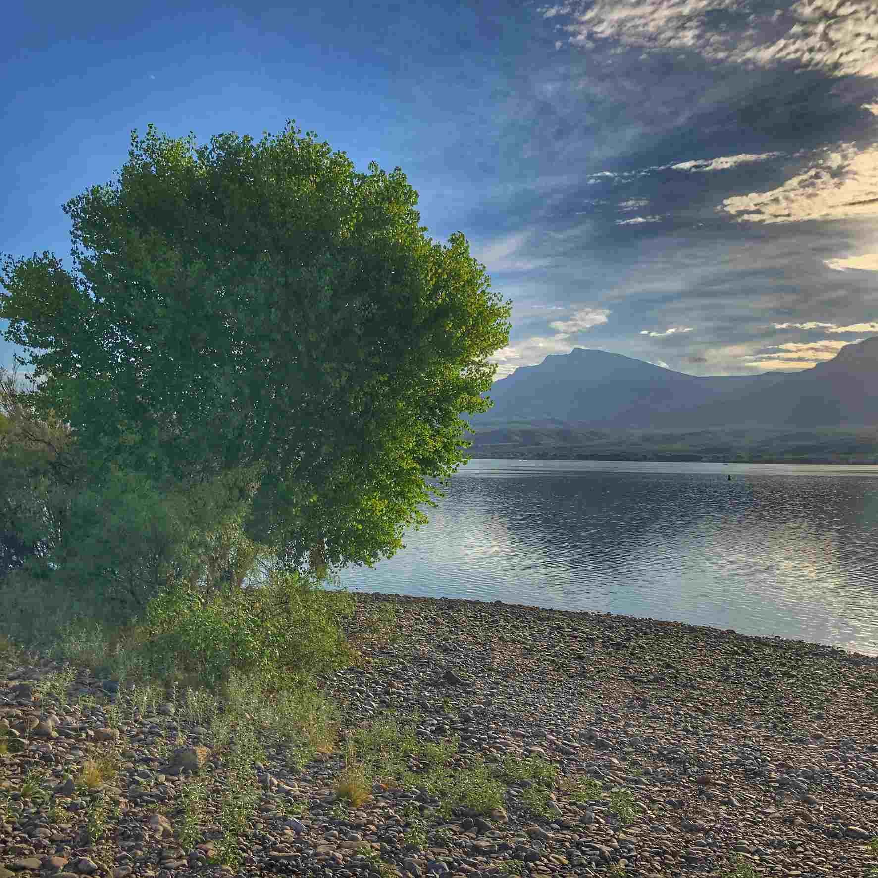 Caballo Lake state park camping area