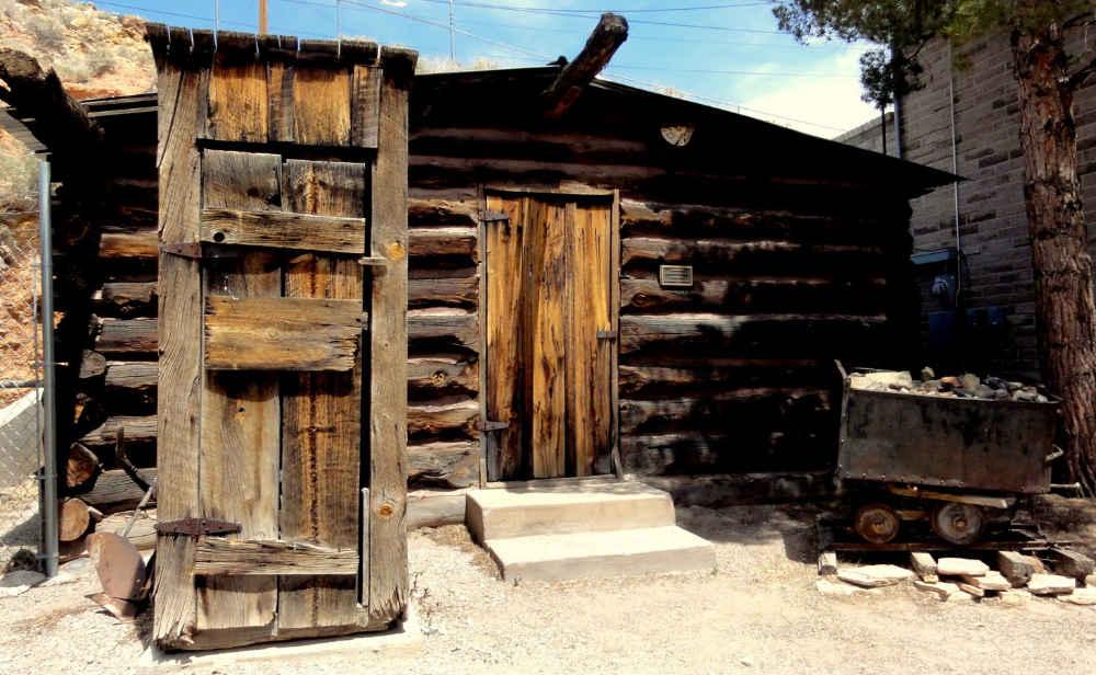 Geronimo Springs Museum cabin