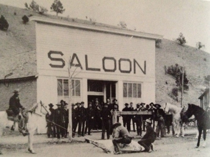old photo of Chloride saloon