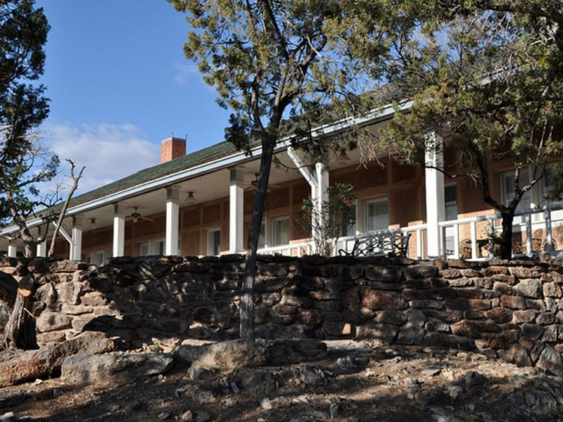 Dam Site Lodge