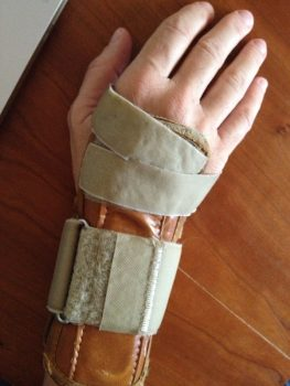 wrist brace carpal tunnel syndrome