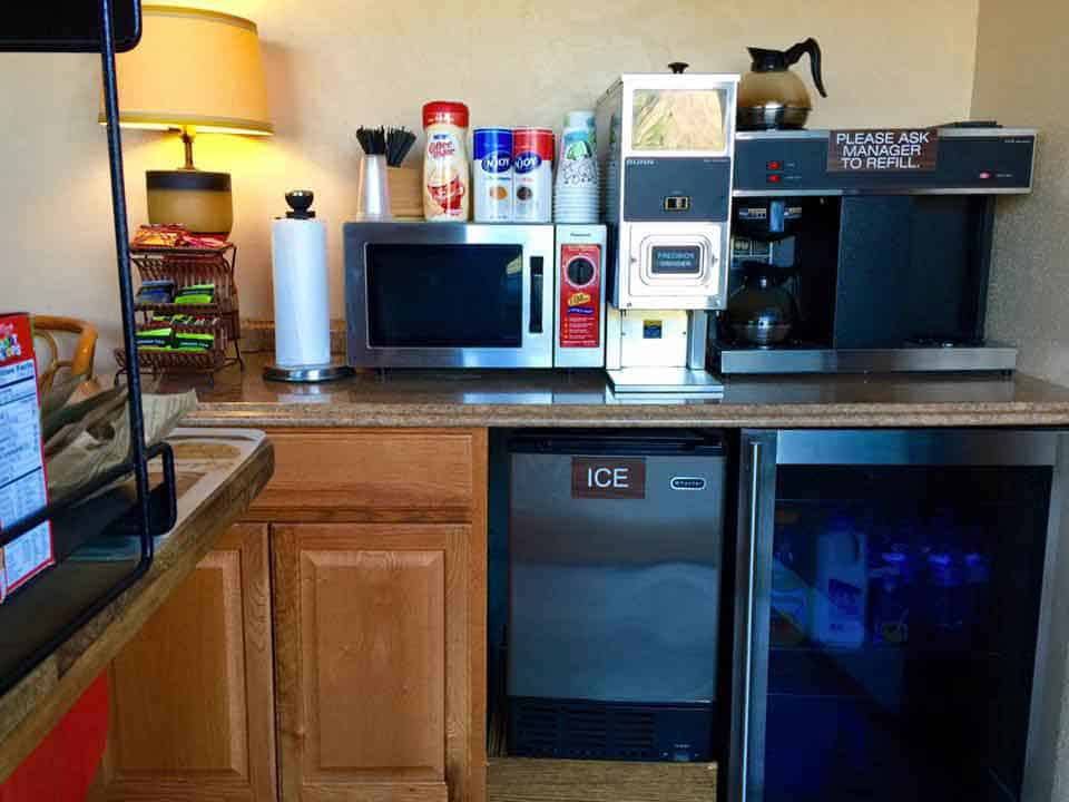 Continental breakfast station at the Rio Grande Motel