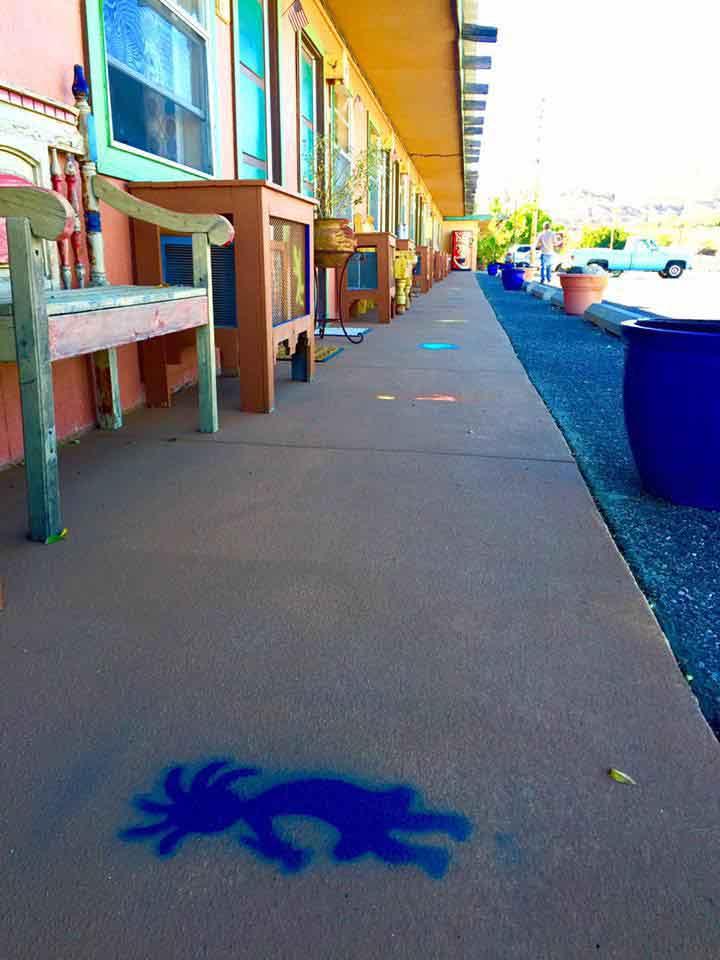 Rio Grande Motel walkway