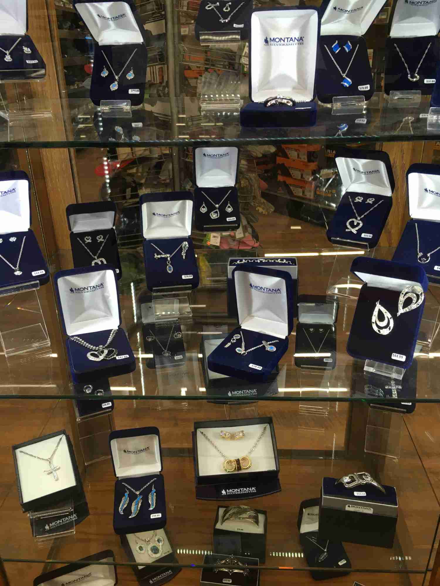 ladies' jewelry at Tractor Supply in Truth or Consequences
