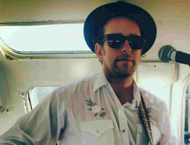 folk / country musician Pete Fields