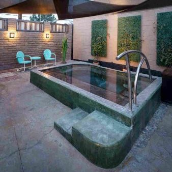 luxury outdoor bath at Blackstone Hotsprings