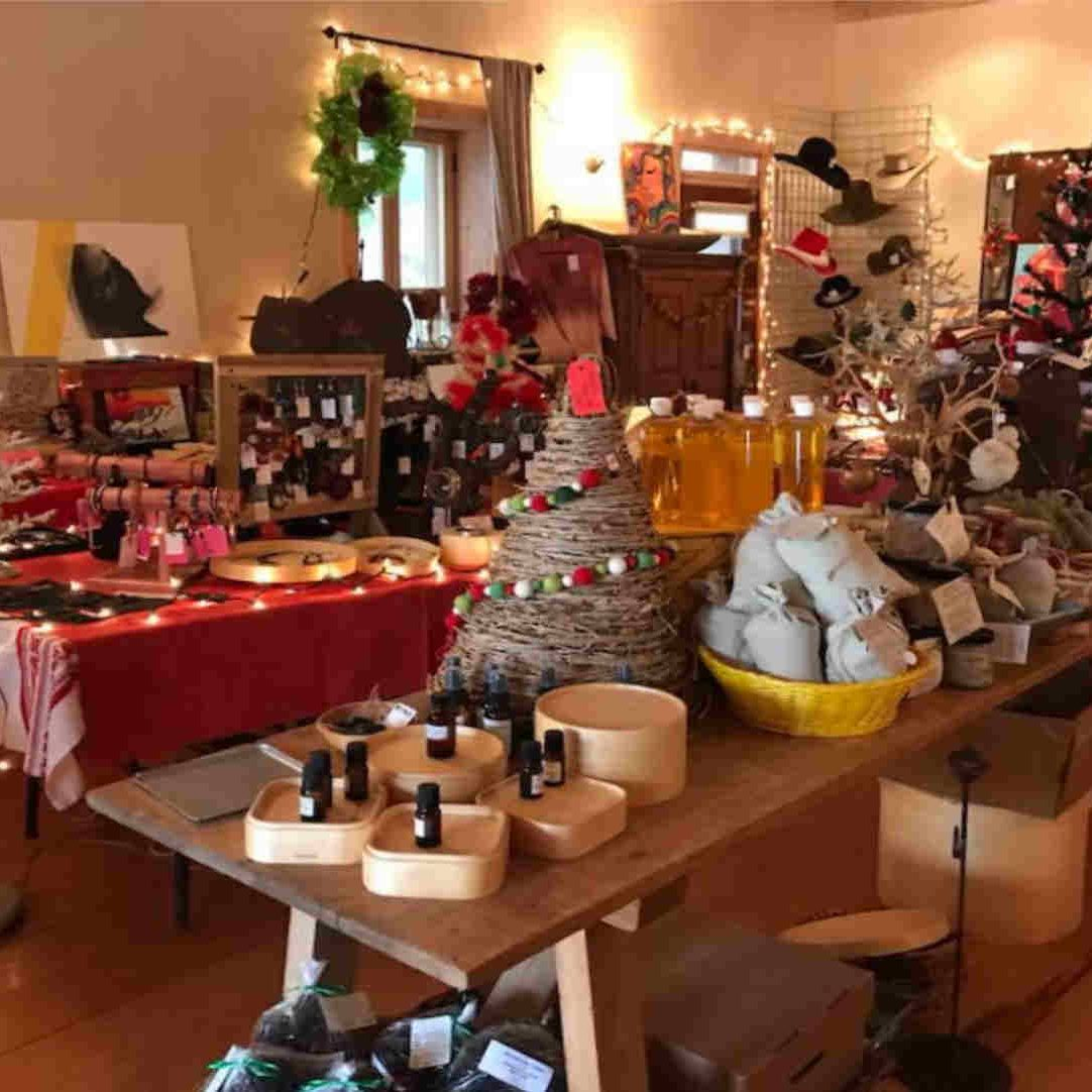 Monticello Holiday Store